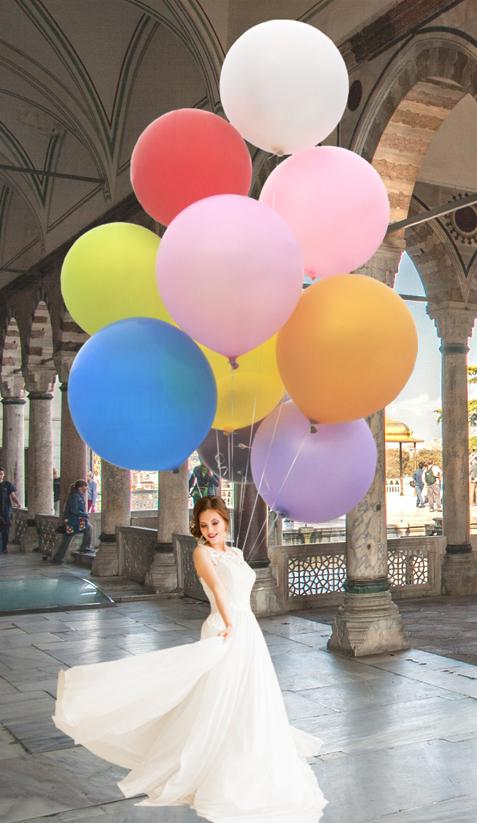 Glanznummern-auf-Hochzeiten-Grosse-Ballons-mit-Helium-Ballongas